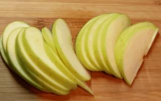 Цветок из яблока как сделать